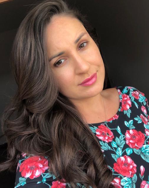 Estela Speroto_Headshot